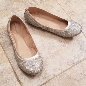 Bandolino Great Condition Silver Ballet Flats